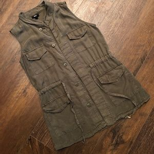 XS Mossimo Army Green Lightweight Vest